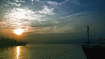 Закат на бухте Золотой Рог