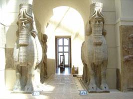 Крылатые быки из Персеполиса (Лувр)